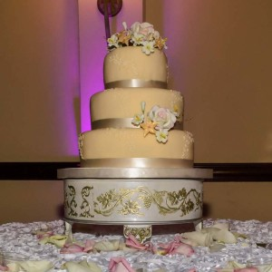 Ivory-and-Pink-Wedding-Cake