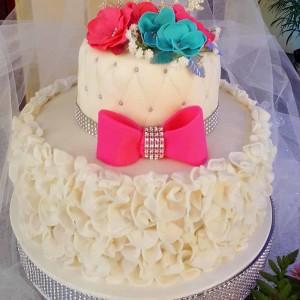 Mandeville_Hotel_Wedding_Pink_White_Ruffled_Cake