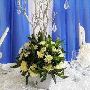 Silver-and-White-Centrepiece_Wedding_Mandeville_Hotel01