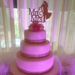 Wedding_Mandeville_Hotel_White_Silver_Cake
